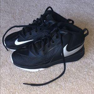 Nike Hustle Boys Basketall Shoes